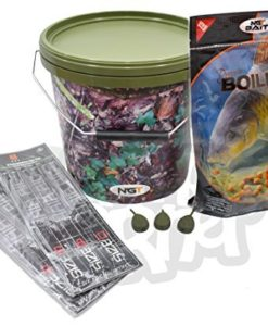 Carp-Fishing-Tackle-Christmas-Gift-Set-with-500g-Boilies-12-Hair-Rigs-3-Inline-5L-Bucket-0